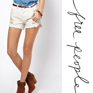 EUC Free People white tulum embroidered jean short